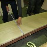 建具に使用するナラ板目で巾900mm、高さ2100mm を1枚杢で制作してほしい